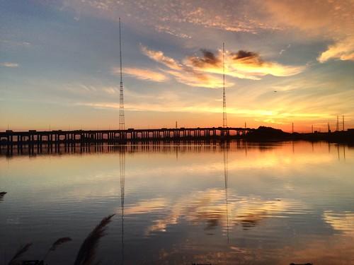 morning sky reflection water clouds sunrise newjersey highway serene refreshing kearny newarkbay