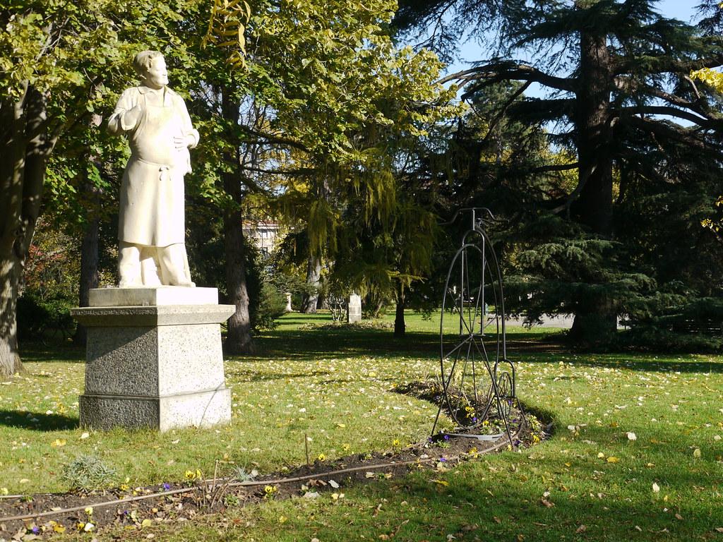 Toulouse, Haute-Garonne: jardin du Grand-rond, le grand bi ...