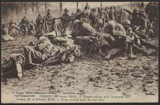 Verdun : Troupes relevées après le premier choc