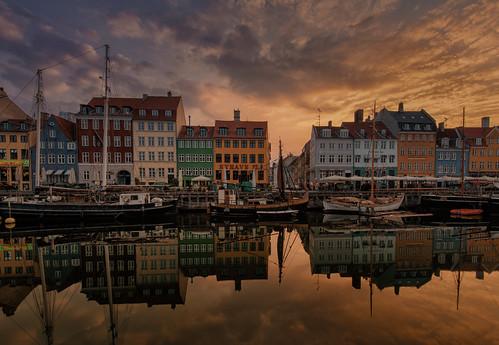 sun sunrise copenhagen denmark nyhavn boat harbour rise danmark kobenhavn