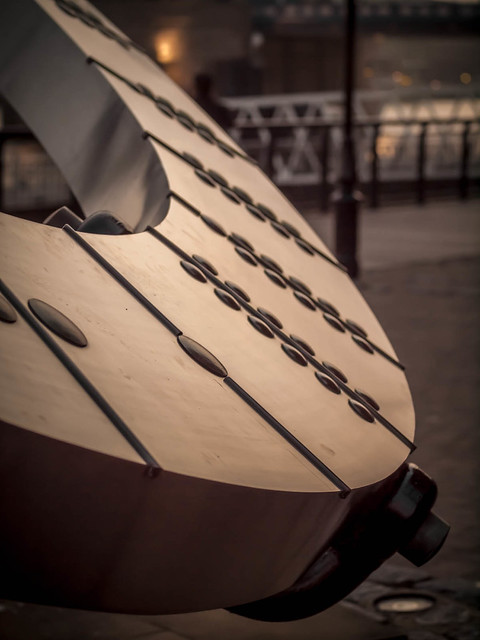 Sundial at Tower Bridge