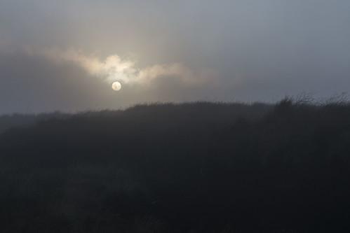 mist mountain sunrise breconbeacons brecon summitmarker fannedd fanneddsummitmarker