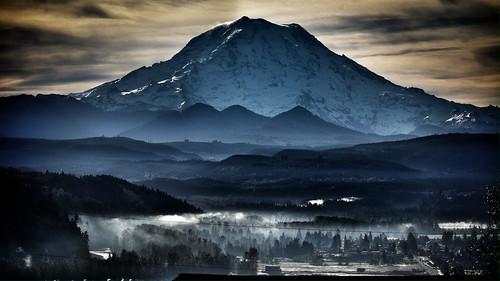 mountain sunrise scenery mountrainier puyallupwashington originalfilter uploaded:by=flickrmobile flickriosapp:filter=original