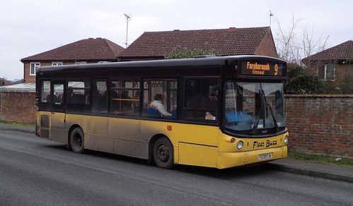 DB0856.  Fleet Buzz liveried Dennis Dart SLF at Southwood.