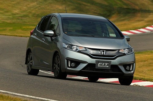 2014-honda-jazz-2015-honda-fit-photo-gallery-1080p-3 Photo