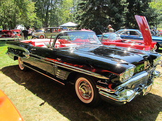 1958 Pontiac Parisienne.Autofest 2013,Lake View Park Oshawa 202