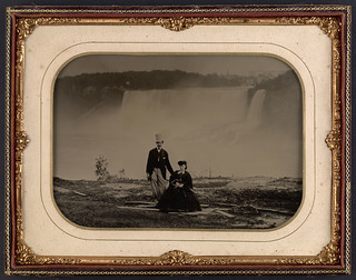 Couple in front of Niagara Falls, circa 1858 / Un couple devant les chutes Niagara vers 1858 | by BiblioArchives / LibraryArchives