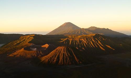 flag food sal1855 sunrise volcano