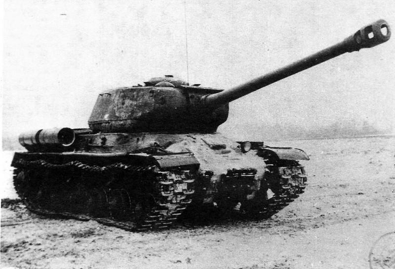 Tank IS-2 (2)