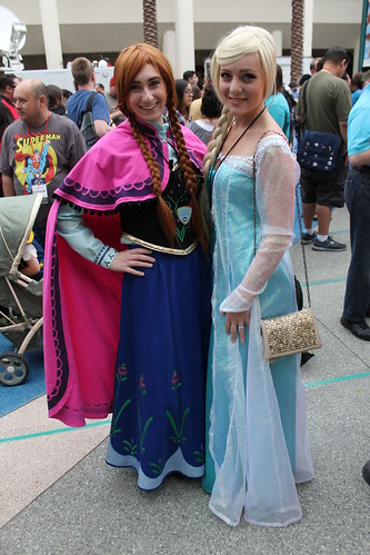 Cosplay - Anna and Elsa | by Castles, Capes & Clones