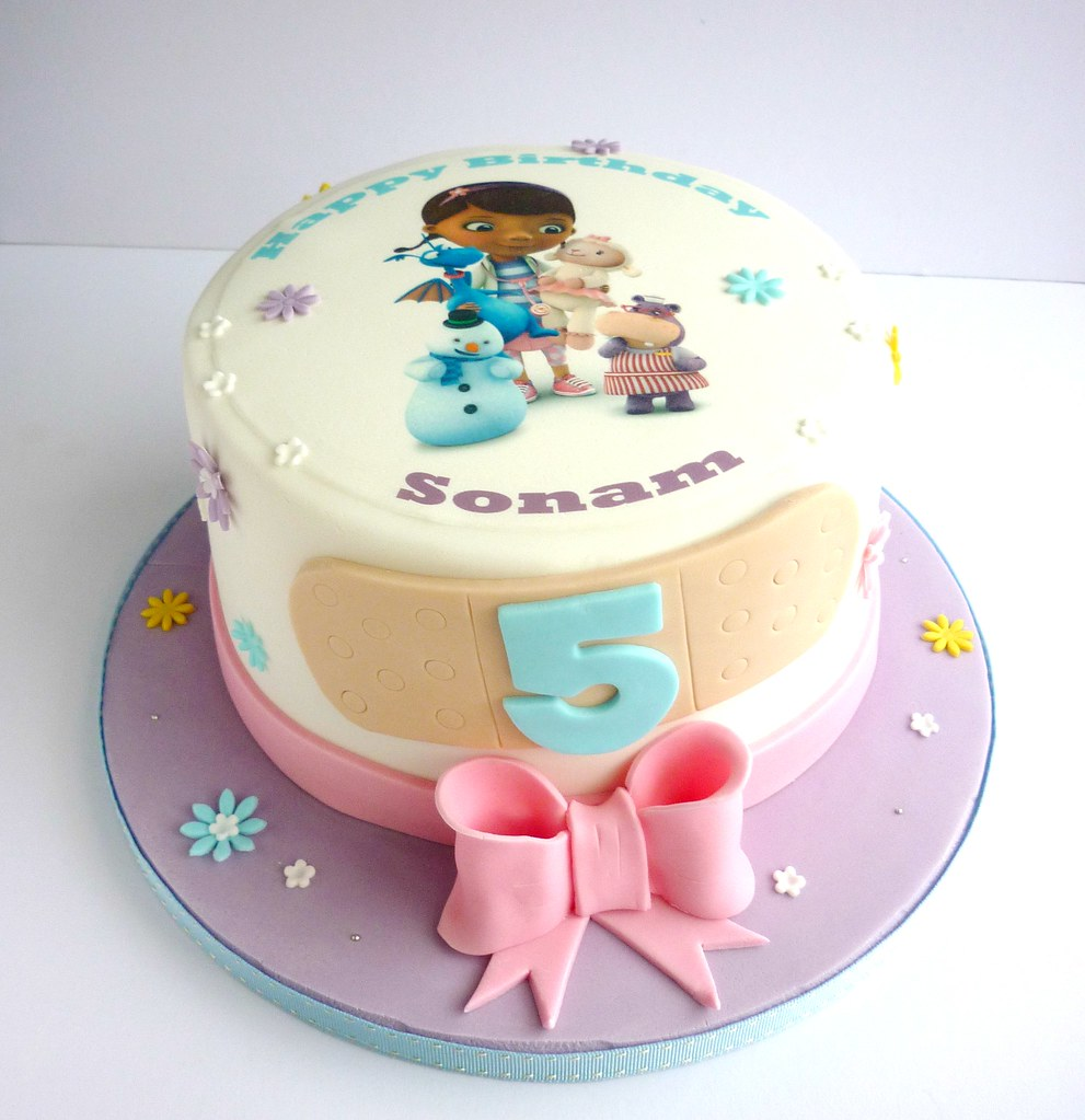 Astounding Doc Mcstuffins Birthday Cake A Photo On Flickriver Personalised Birthday Cards Bromeletsinfo