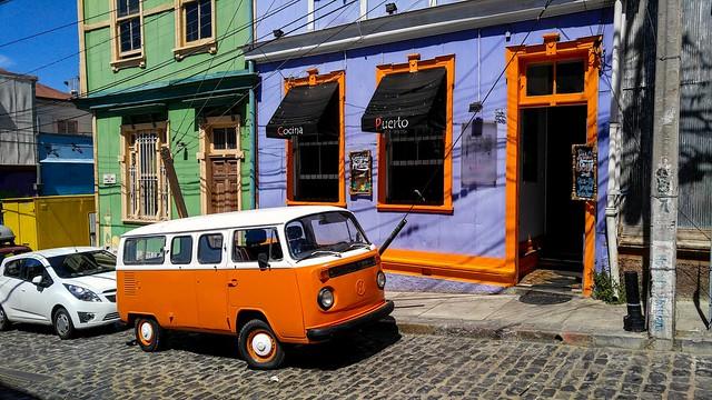 VW Bus, Valparaíso, Chile