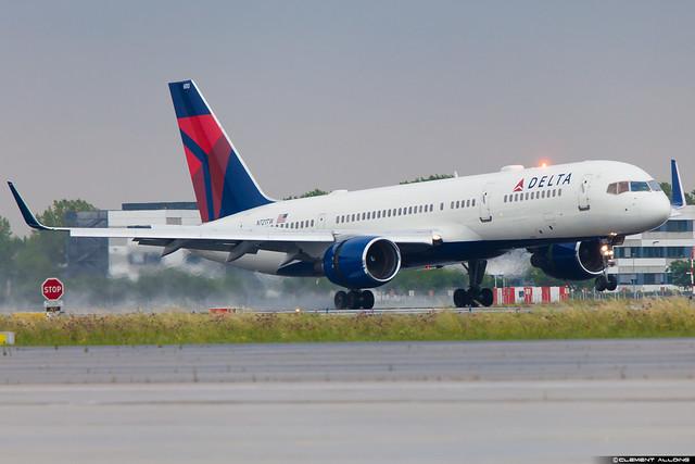 Delta Air Lines Boeing 757-231(WL) N721TW cn 29954 / 874 N721TW