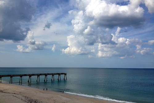 ocean sky usa beach clouds pier sand day florida cloudy atlantic verobeach bouoo°2