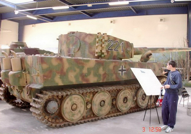 PzKpfw VIH Tiger (5)
