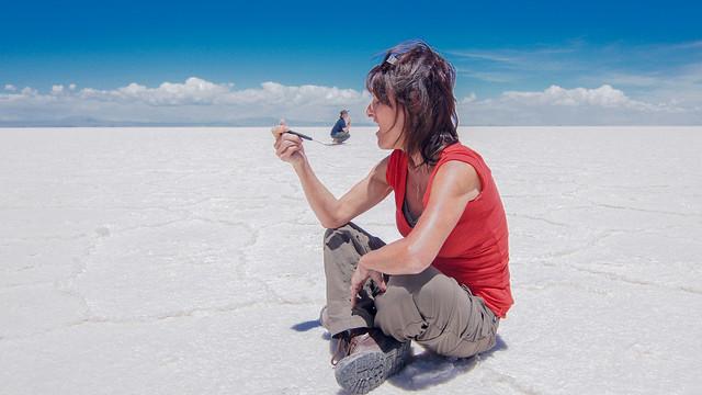 NO PLEASE! POR FAVOR!!  SALAR D'UYUNI DESERT POTOSI BOLIVIA   DSC02783.jpg