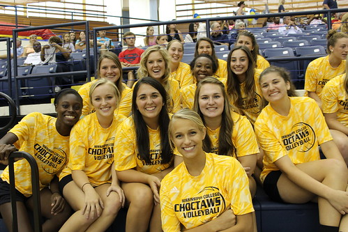 Lady Choctaws Love Volleyball