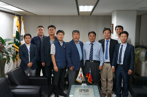 圖01.本會代表團拜訪韓國FKCU勞動同盟1