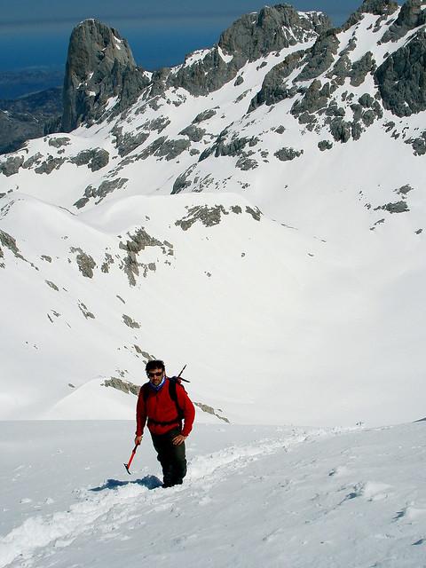 Con el Picu Urriellu (2.518 m) a la espalda
