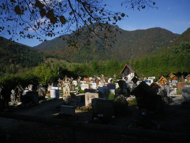 bei Kapelle Weißbach Obb