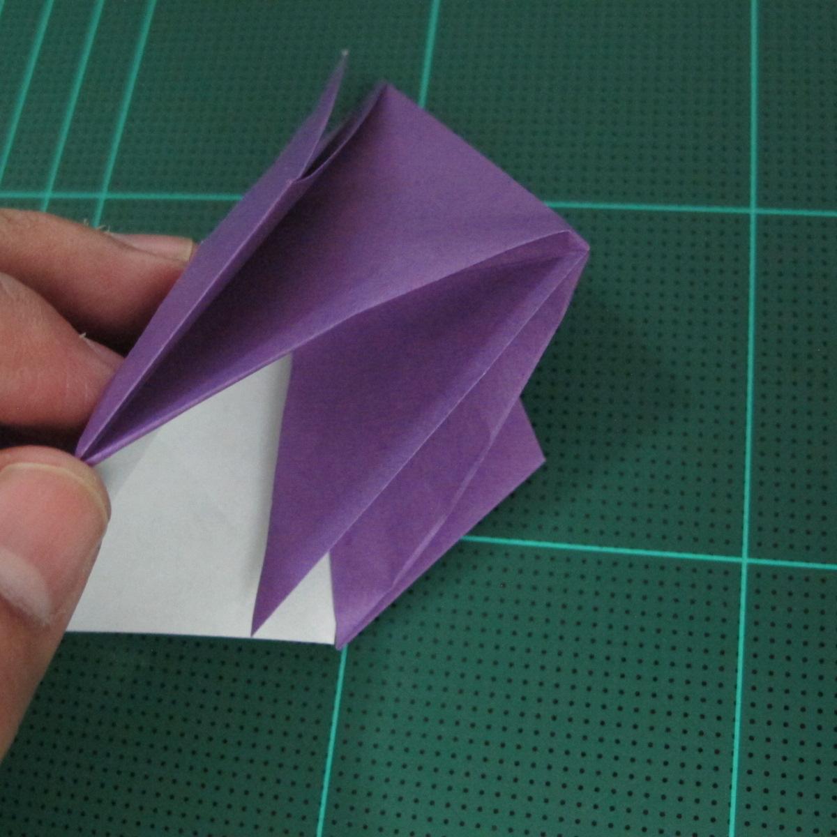 การพับกระดาษเป็นฐานนกอินทรี (Origami Eagle) 019