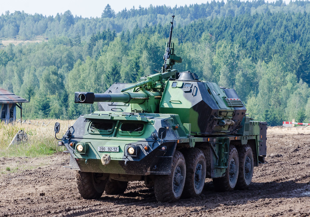 ShKH Vzor 77 Dana self-propelled howitzer gun | In time of h… | Flickr
