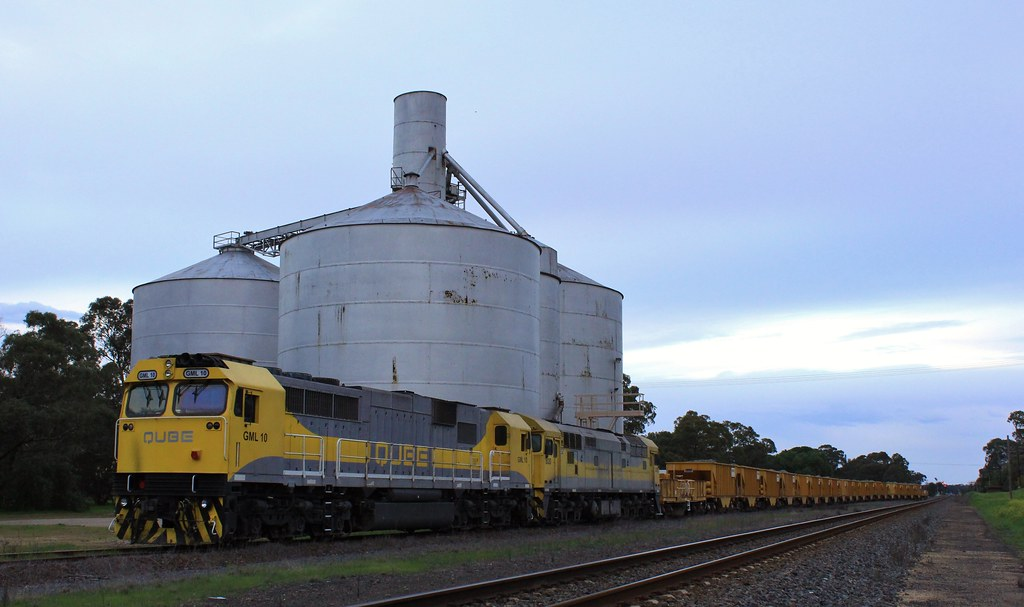 GML10 and 8030 stabled on an ARTC ballast train at Glenorchy by bukk05