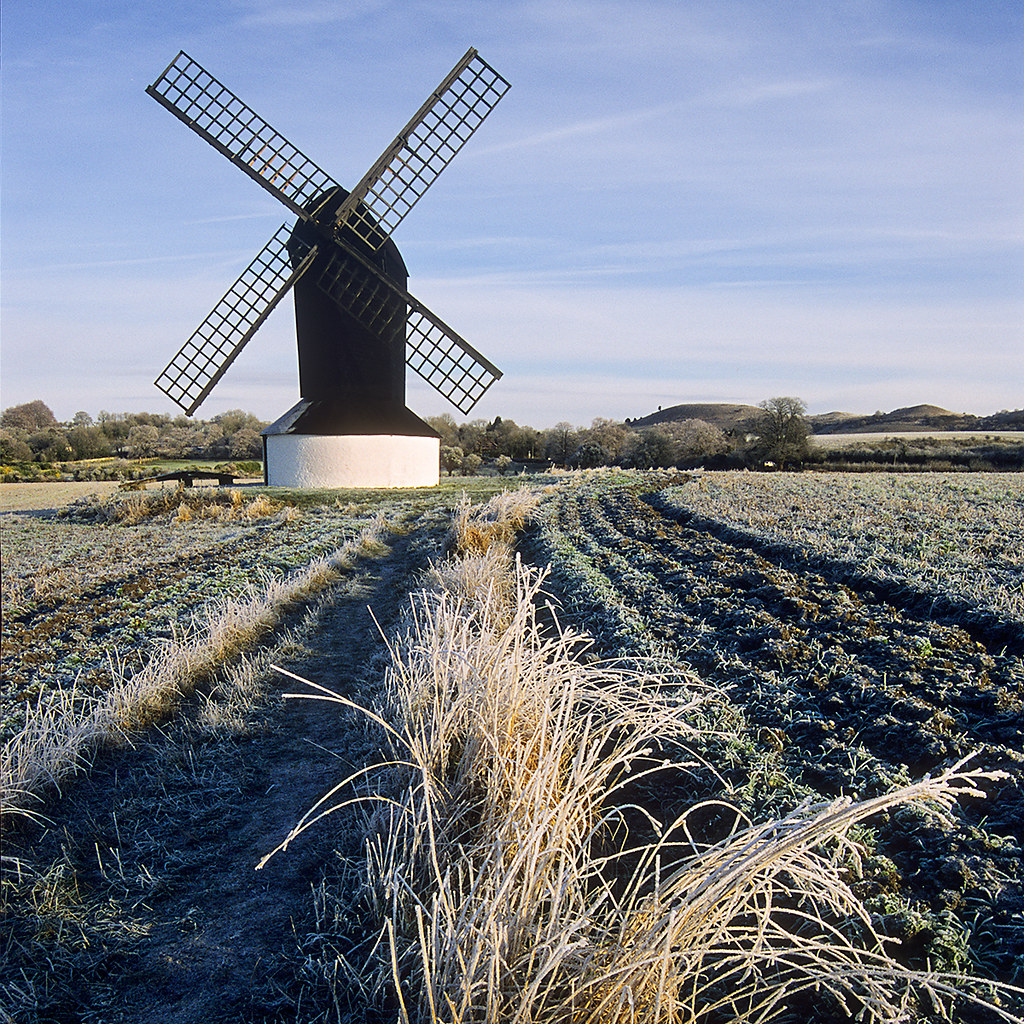 Pitstone Windmill in Autumn, Pitstone and Ivinghoe Villages, GB | National Trust | Ashridge Forest Area (4 of 9)