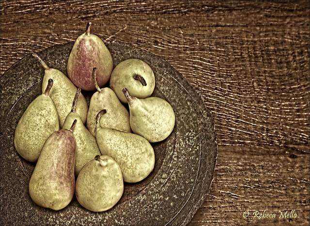 Pears in rustic bowl