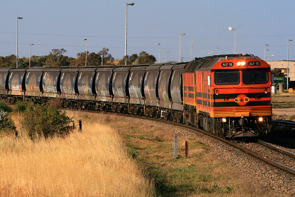 4152s ALF18+2210 loaded grain from Bowmans by Trackside Photography Australia