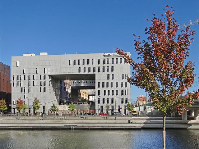 Le Monolithe (Lyon Confluence)