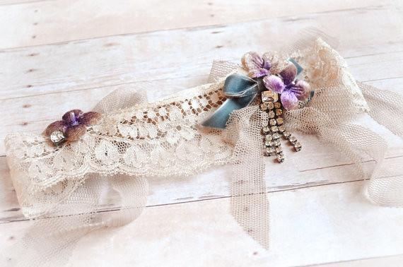 Bridal garter, cream wedding garter, vintage lace garter, floral wedding accessory, bridal wear (4)