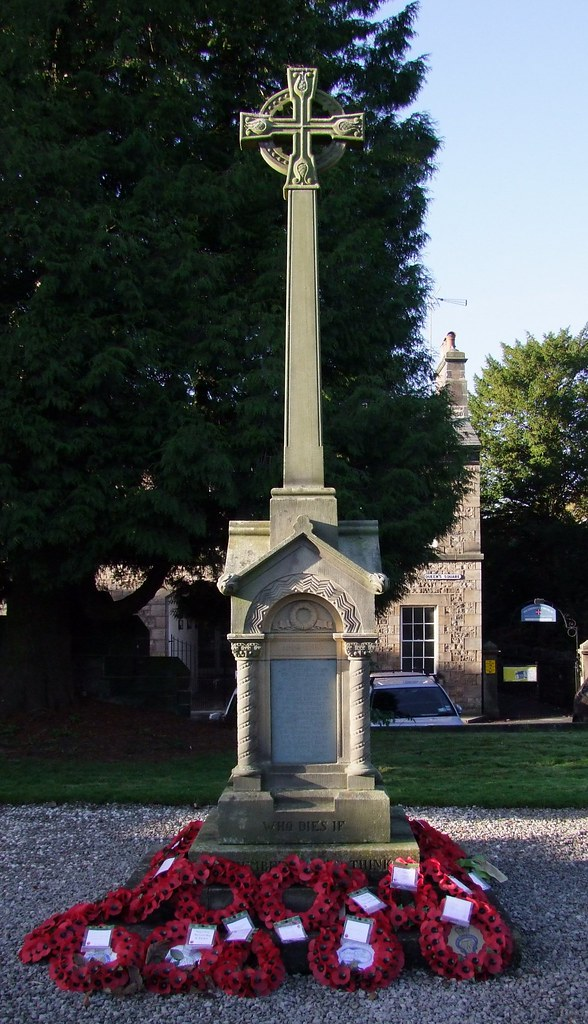 27ca5c4abbae31 ... 28th61st KIRKBY LONSDALE (ST. MARY) CHURCHYARD War memorial (1)