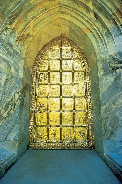 005_Brass door, made by Samuel Yellin