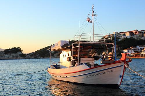 canoneos60d canonefs1755mmf28isusm kokari kokkari samos greece griechenland sea boat morningglory goodmorning sunrise