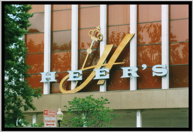 Springfiled Mo ~ Heers Department  Store ~ Closed ~ Old Film ~ Neon Sign