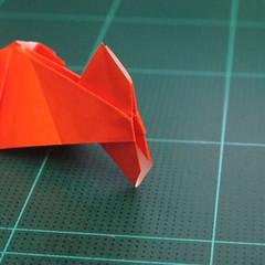 การพับกระดาษเป็นรูปปลาทอง (Origami Goldfish) 028