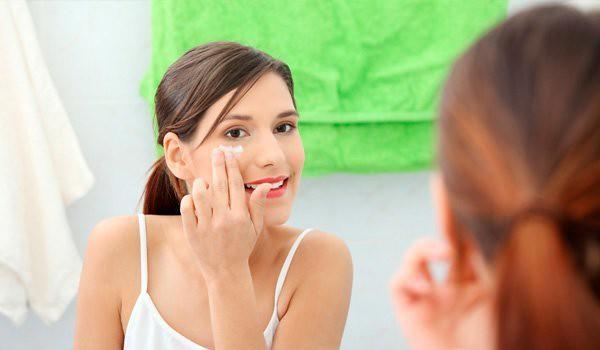 eye cream के लिए इमेज परिणाम