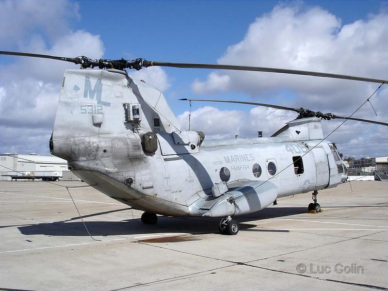 CH-46E (4)