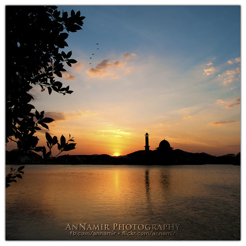 sunset nature silhouette landscape nikon islam nopeople mosque malaysia getty silueta tamron siluet gettyimages selangor ruleofthird maghrib kualakubu d300s annamir masjiddarulquran masjiddq muktasyaf ustazannamir