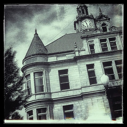 Courthouse | by MOJO MOOMEY