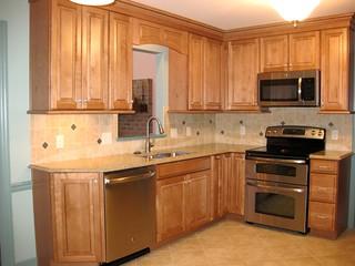 Drazba Cabinet Brand Waypoint Door Style 610d Maple