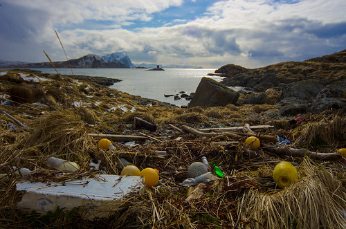 Marine litter. Spoiling even the nicest view tw Håja   by Snemann