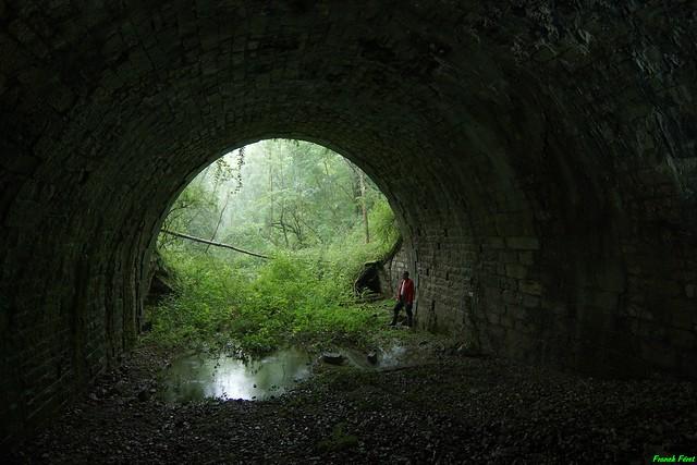 Entrée du Tunnel de l'ancienne voie férrée de Marnoz - Jura