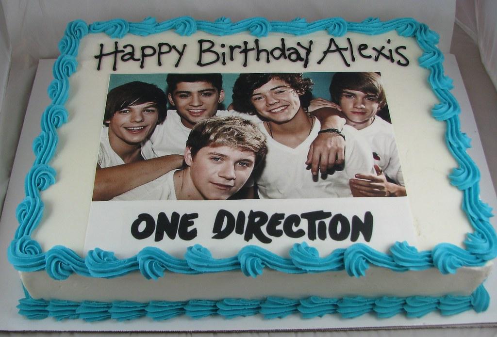 Phenomenal One Direction Birthday Cake Sugarushbakery Flickr Funny Birthday Cards Online Necthendildamsfinfo