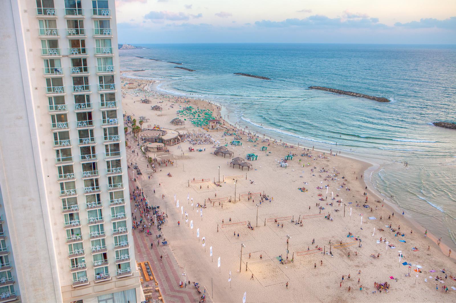 Tel Aviv_ Beach_ 2_Dana Friedlander_IMOT