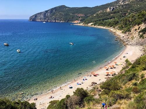 #spiaggialunga #portoercole #argentario #monteargentario #mare #maremma #toscana #beach #july | by Marco Bellucci