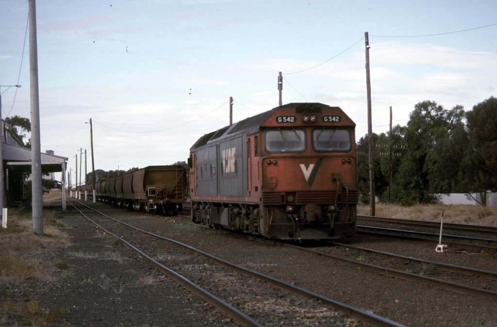 G542 at Murtoa by Alan Greenhill