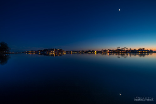 longexposure nightphotography sunset orange moon reflection norway dusk blues nes bluehour goldenhour tønsberg vestfold træla bluebluehour nesalléen nordrenes