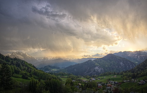 p507456367p6ma koaxial rain shower thunderstorm wolken clouds valley tal berchtesgaden aussicht view green colors hugin luminance hdr stitch pano